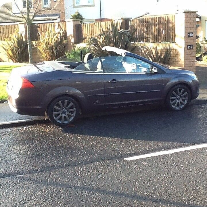 FOCUS CONVERTIBLE 2009 FORD FOCUS CC-2 CONVERTIBLE 60000 MILES,MOT OCT 18,LOOKS AND DRIVES SUPER.