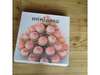 Cake stand holds 36 cupcakes complete with box cake stand is fab for family parties etc