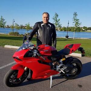 2013  DUCATI 1199 Panigale ABS, Super low mileage!! Almost NEW