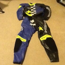 HEIN GERRICKE LEATHER MOTORCYCLE SUIT SIZE LARGE