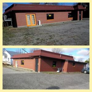 RESTAURANT INCLUDING LAND & MOBILE HOME FOR SALE ! 1 PACKAGE !