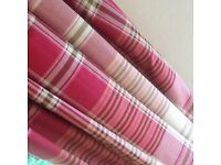 Pair red / burg check curtains