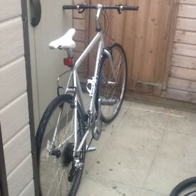 Large frame chrome very lightweight aluminium frame excellent condition great working bike