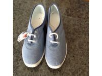 Canvas shoes, ladies casual