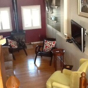 Room in Private Home for Q.U./St. Lawrence College Students