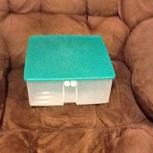 Large Tupperware Square Vent Smart Rothwell Redcliffe Area Preview