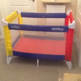 Baby travel cot , very good condition