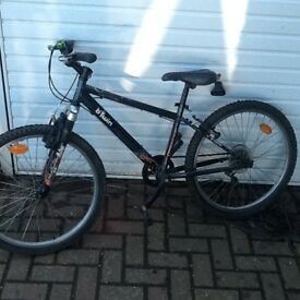 Small BTwin Mountain Bike with 24 inch wheels, 14 inch Frame suit Teenager