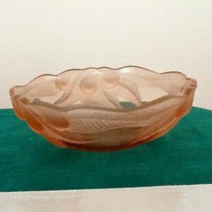 Beautiful vintage pink glass bowl in perfect condition.