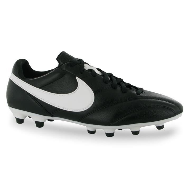 The Nike Premier football boots with moulded studs UK size 9  129a6e326474e