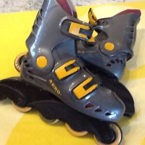 Roller blades & knee, wrist, albow guards size 3