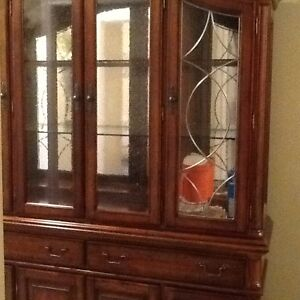 China cabinet/buffet and hutch
