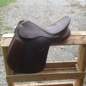 16 1/2 Collegiate Convertible Saddle
