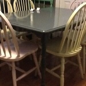 Lg grey wood table w/6 chairs
