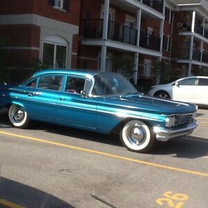 MUST SELL BECAUSE OF ILLNESS- 1960 Pontiac Laurentian