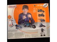New boxed set of 3-5 design Meccano kit