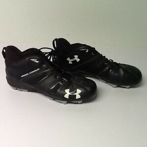Football cleats for slot back or receiver size 14