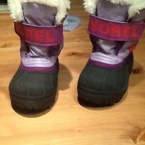 Size 6 girls Sorel winter boots