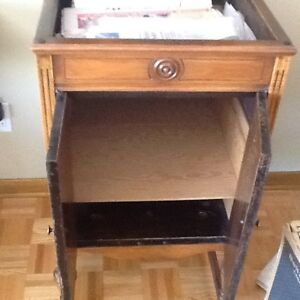"""ANTIQUE GRAMOPHONE cabinet , PLEASE NOTE """" NO GRAMOPHONE inside West Island Greater Montréal image 8"""
