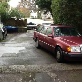 Mercedes300 td estate .1993, 12 months mot. Great engine . Oil changed and new front brakes .
