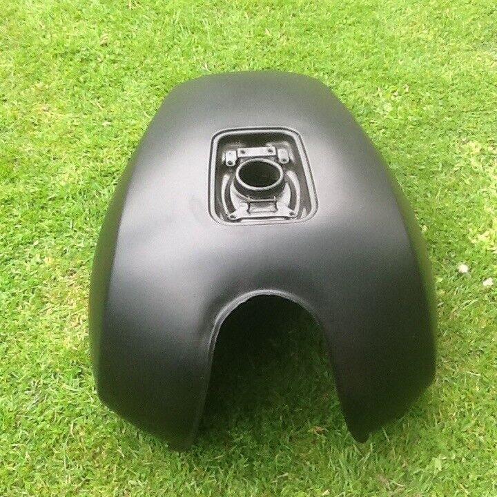 Yamaha Fuel Tank ( has pin holes needs repair )