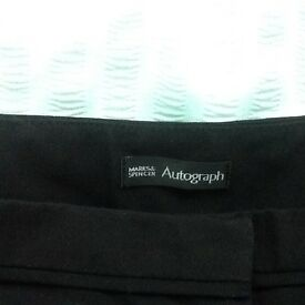 MARKS & SPENCER AUTOGRAPG BLACK TROUSERS. SIZE 16.