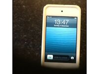 Apple iPod Touch 4th Gen 8GB, White Front/Silver Back.