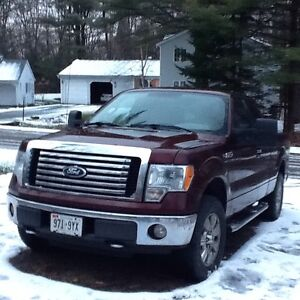 Mint    2010 Ford F-150 XTR 4x4 pick up truck. Reduced price