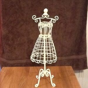Jewellery Stand Queenstown Port Adelaide Area Preview
