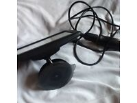 Tomtom excellent condition with built in maps and accessories