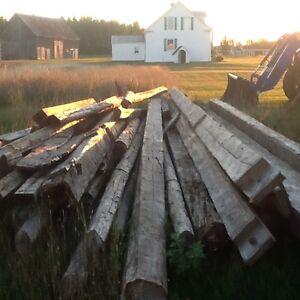 Barn wood (beams & planks) / Bois de grange (poutres & planches)