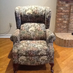 Recliner  / Wing-Back Chair
