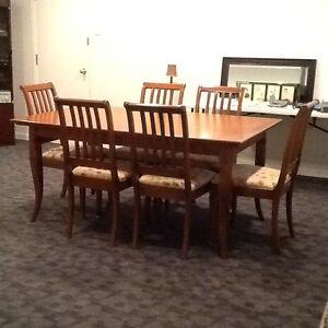Mobilier, set de cuisine (salle à manger) en b