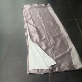 5 pairs of beautiful silver grey satin look blackout curtains in new condition