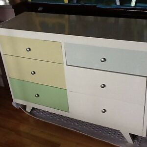 Shades of green dresser w/2 bedside tables