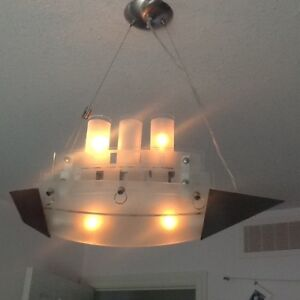 Ship light fixture