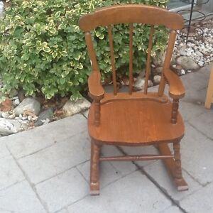 Rocking chair London Ontario image 1