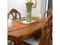 Dining table and 6 chairs very good condition in oak