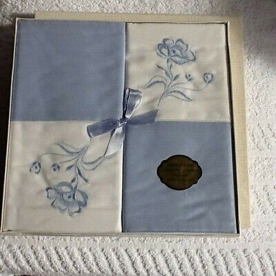 VINTAGE 1 PAIR PILLOW CASES BY HORROCKSES IN BOX