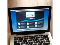 """MACBOOK PRO 15"""" i7 OSX Yosemite 10.10.5 FREE UPGREAT to EL CAPITAN YEAR 2011 EXCELLENT CONDITION"""