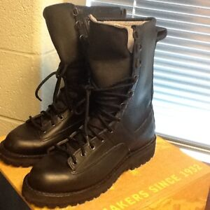DANNER FORT LEWIS LEATHER BOOTS SIZE 10D NEW!