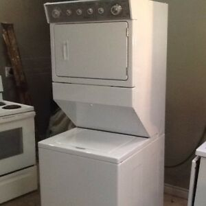 Stacker washer and dryer