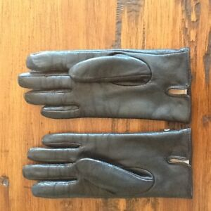 BRAND NEW ISOTONER (TOUCH SCREEN ) BLACK LEATHER GLOVES -SMALL