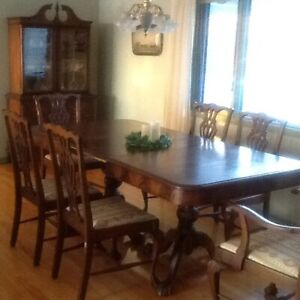 74474a822be4 Dining set 4 pc. antique burled walnut