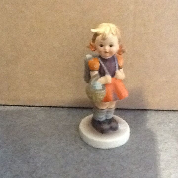 Hummel figurinein Chester, CheshireGumtree - Hummel figurine school girl in very good condition genuine Hummel low price £12