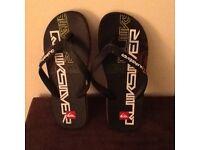 Mens quicksilver flip flops size 7/8 as new
