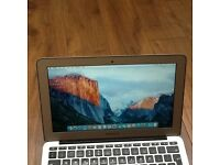 MACBOOK AIR 11 INCH EXCELLENT WORKING CONDITION NO DENT OR SCRATCHES