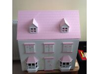 Childs toy dolls house