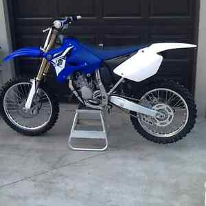 2014 Yamaha yz125 w/ownership and service manual