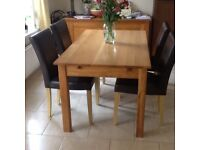 Oak dining table &4 brown chairs.Good condition.
